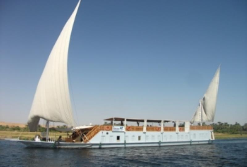 Nile Trip on Dahabiya from Hurghada or Safage